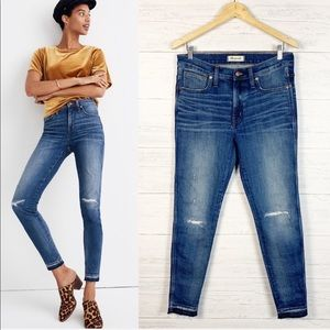 """Madewell • 9"""" High Rise Skinny Distressed Jeans 30"""